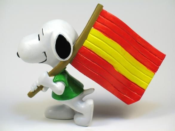 SNOOPY CARRYING RED AND YELLOW FLAG PVC