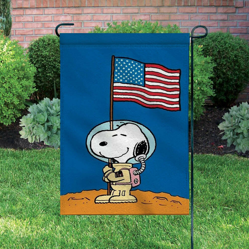Peanuts Double-Sided Flag - Snoopy Astronaut