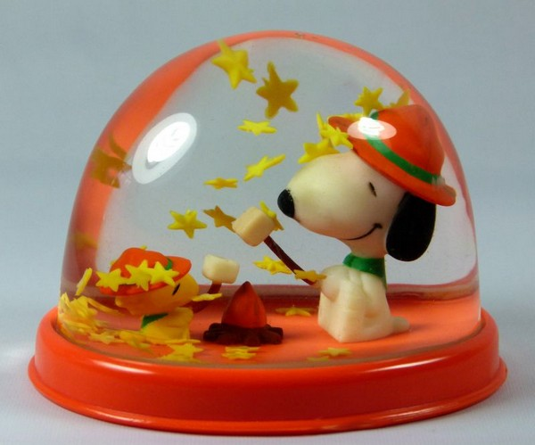 Vintage Beaglescouts Campfire Snow Globe / Paperweight