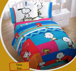 Charlie Brown and Snoopy Twin-Size Microfiber Sheet Set - Super Smooth!