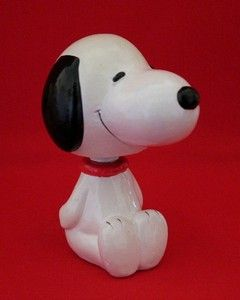 Snoopy Sitting  Bobblehead
