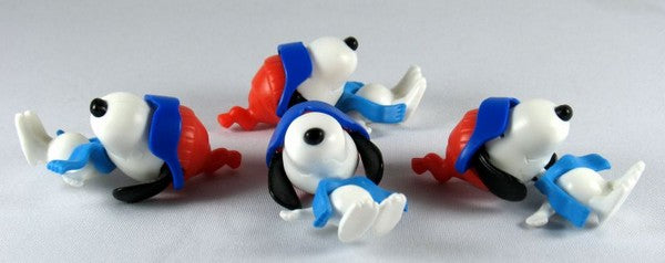 SNOOPY SLIDING Figure Set