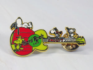 2005 Snoopy Hard Rock Cafe Enamel Pin - RARE!