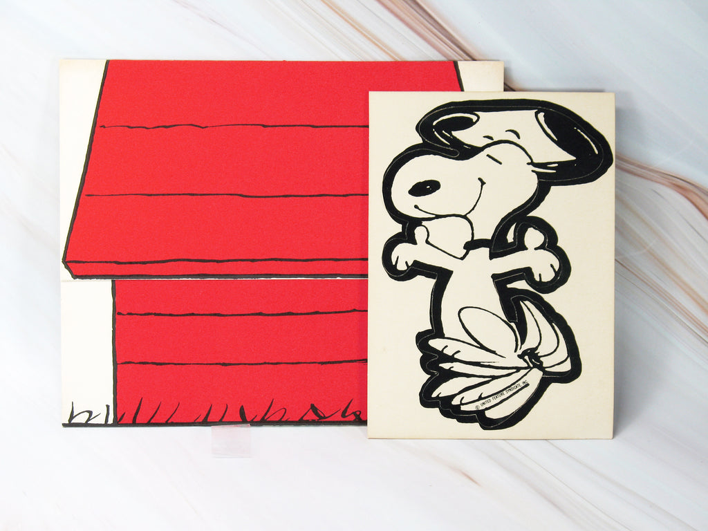 Snoopy's Doghouse Vintage Postalette With Large Sticker (Single Card and Sticker)