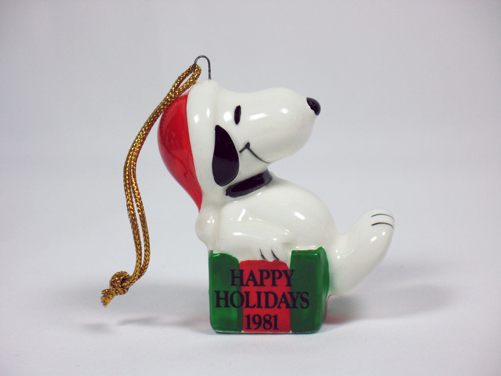 1981 Snoopy Happy Holidays Christmas Ornament
