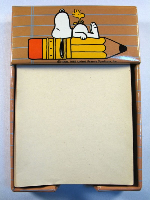 Snoopy Notepaper Tray + Paper