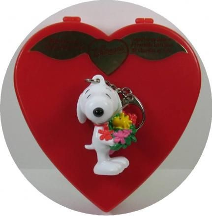 SNOOPY and WOODSTOCK Valentine's Day Candy Box + PVC Key Chain