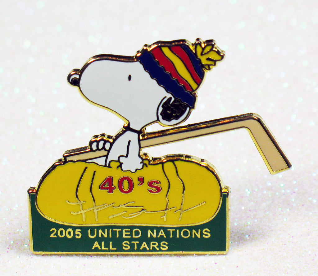 Snoopy United Nations All Stars Hockey League Pin - 2005