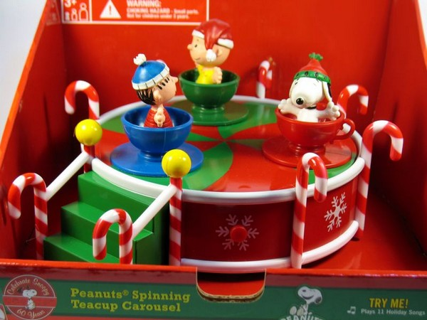 Peanuts Gang Spinning Teacups Musical Carousel
