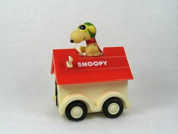 Snoopy Friction-Powered Doghouse Car