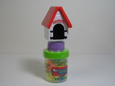Snoopy Candy-Filled Pop-Out Doghouse - REDUCED PRICE!