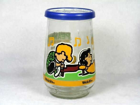 Welch's Jelly Glass:  Schroeder And Lucy At Piano