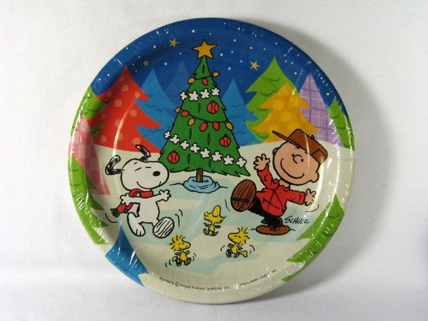 Peanuts Gang Christmas Party Luncheon / Dessert Plates