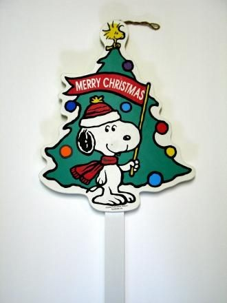 Snoopy Christmas Tree Wood Yard Sign