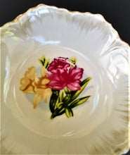 Load image into Gallery viewer, Vintage Fruit-Berry Bowls with Daffodil Design (2)