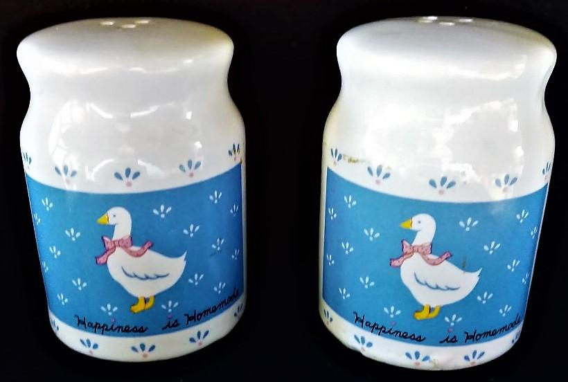 Vintage Country Style Goose Salt and Pepper Shakers