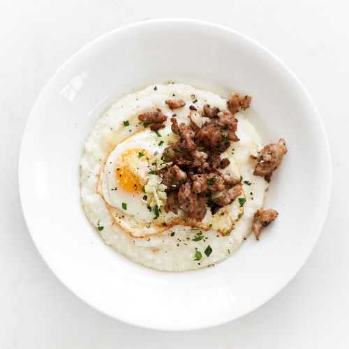 Garlic Cheese Breakfast Grits