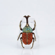 Load image into Gallery viewer, Animal Scarabee Brooch, found in Seoul, Korea