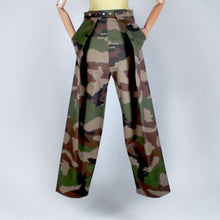 Load and play video in Gallery viewer, Two Pleats Pants - Utex Camo