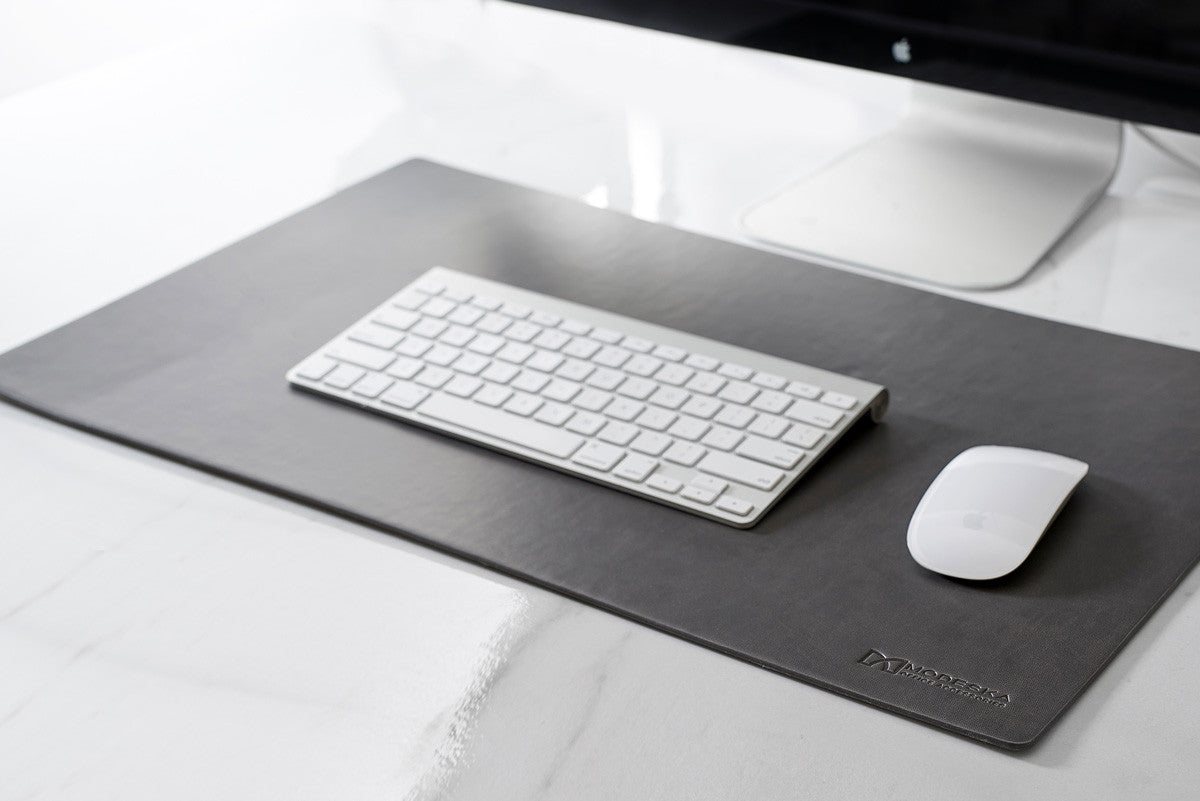 Merveilleux Leather Desk Pad