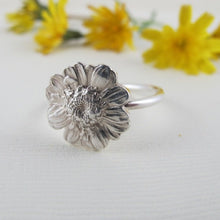 Load image into Gallery viewer, Daisy flower imprinted ring from Victoria, BC - Swallow Jewellery