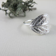 Load image into Gallery viewer, Hydrangea leaf imprinted ring from Victoria, BC - Swallow Jewellery