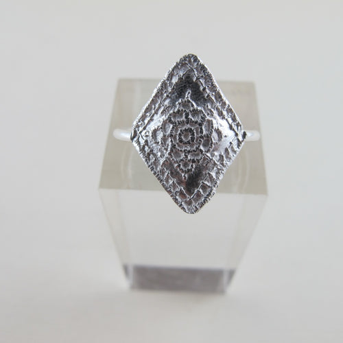 1890's vintage Italian lace imprinted ring - Swallow Jewellery