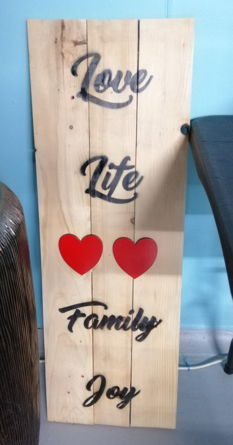 "Wooden Sign ""Love Life Family Joy"" with hearts (95cm x 35cm)"