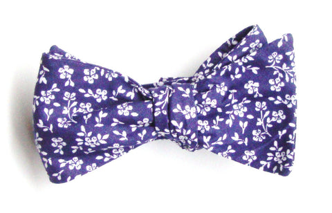 Tiny Floral Print Bow Tie