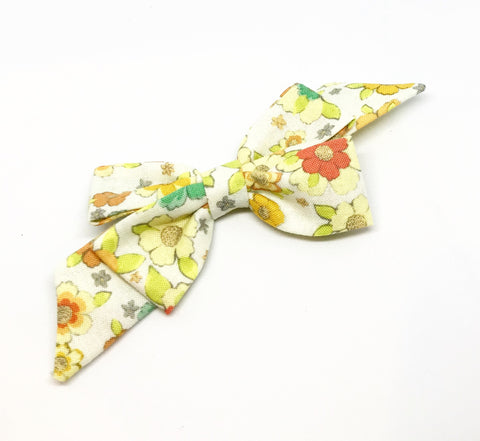 Mademoiselle Pet Bow in Vintage Flora
