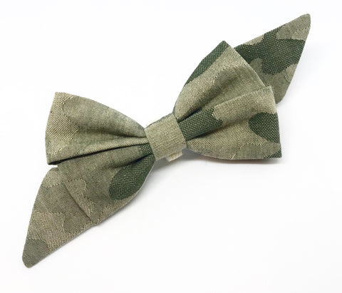 Mademoiselle Pet Bow in Camouflage (green)