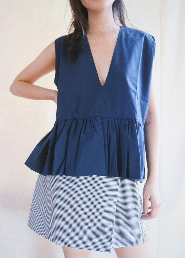 Ura Top in navy sample