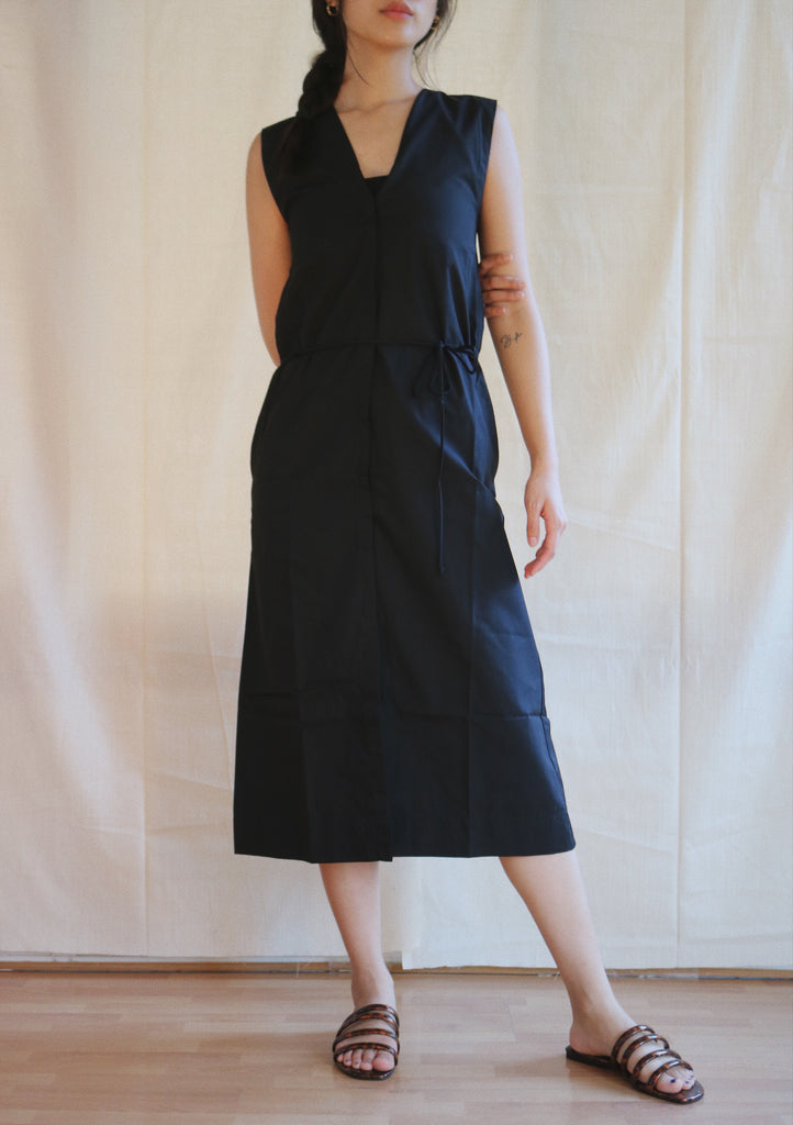 Helene Dress in black sample
