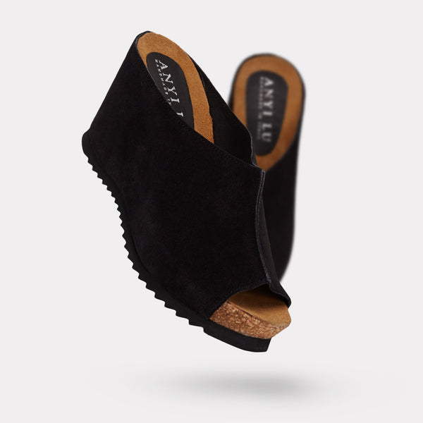 The Sara - Black Suede