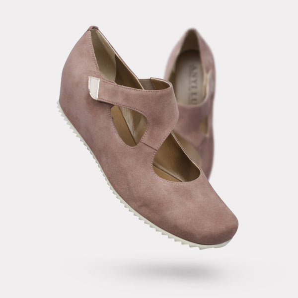 The Shirlee - Sand Suede
