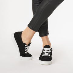 Le Dancer Sneaker in Black Woven