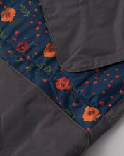 Load image into Gallery viewer, Outdoor Blanket 5x7 Midnight Poppy