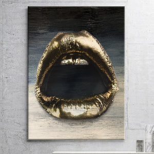 """GOLDEN LIPS"""