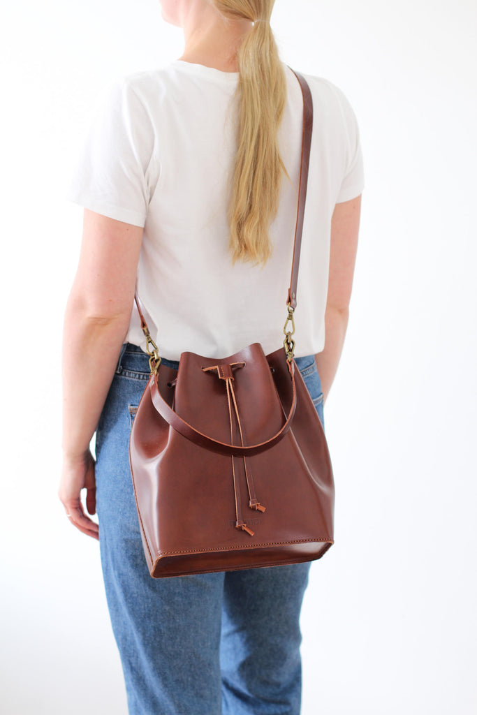 MARILIN bucket bag in brown - ON DISPLAY - MOIMOI accessories