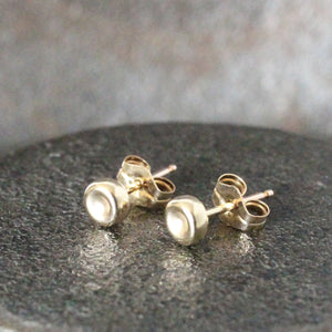 Gold Stud Earring, Pebble Post earring 4mm, simple gold earring, gold post earring, original pebble post earrings