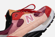 "Load image into Gallery viewer, DBM X New Balance ""anatomy of a heart"" 992"