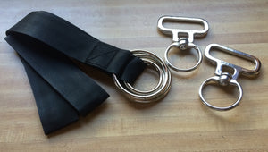 Black webbing with metal rings, stainless steel swivels