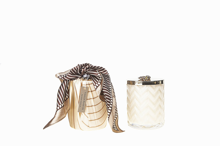 COTE NOIRE | HERRINGBONE CANDLE WITH SCARF BLOND VANILLA - CREAM & GOLDEN BEE LID
