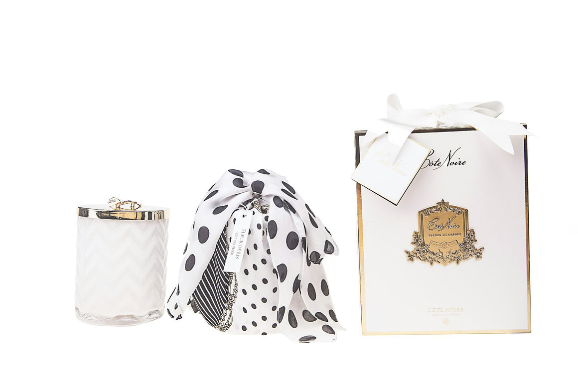 COTE NOIRE | HERRINGBONE CANDLE WITH SCARF - WHITE - LILLY FLOWER LID