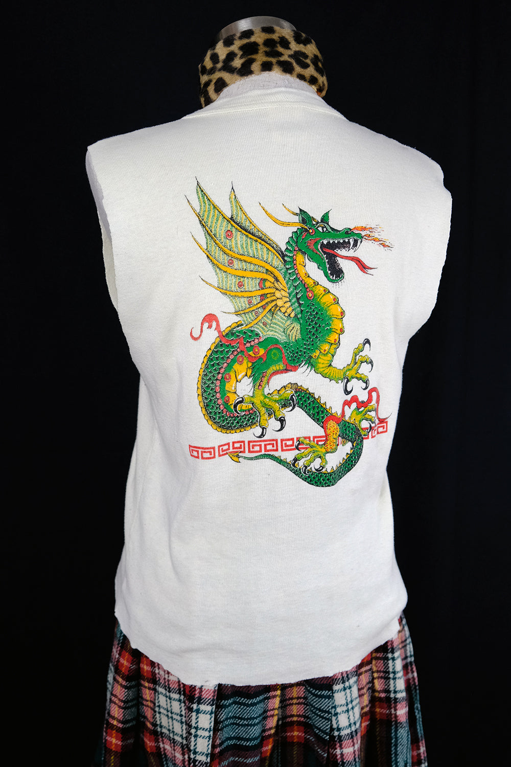 Vtg Sleeveless 50/50 Knit Dragon Henley