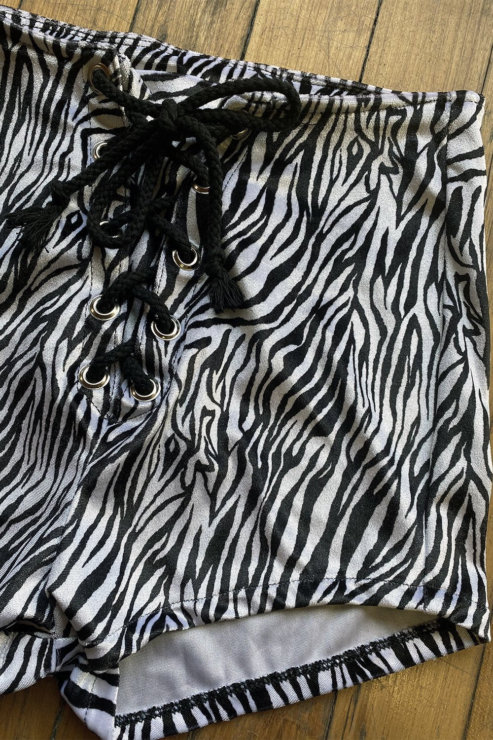 Velvet Grommet Shorts・Zebra, bottoms, BAD VIBES, BACKBITE
