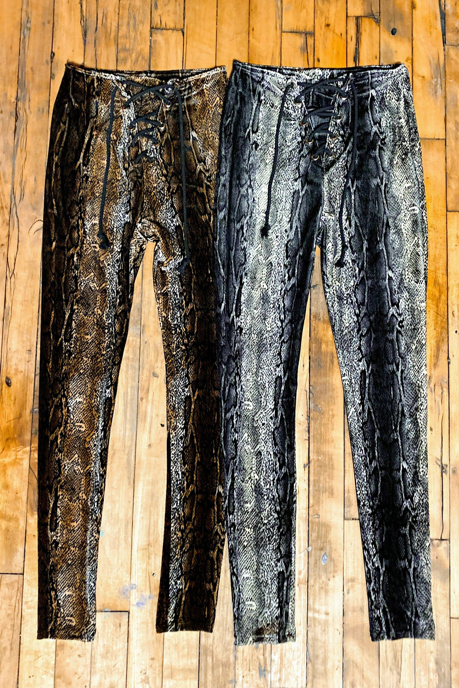 Python Velvet Grommet Pants・New Fabric