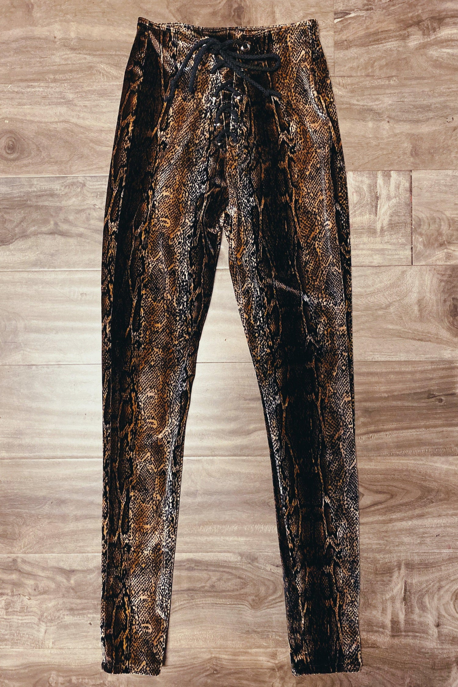 IN STOCK Velvet Grommet Pants Size XS・Grey Python