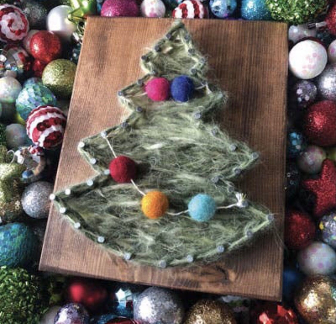 Christmas Tree Mini String Art Kit - DIY