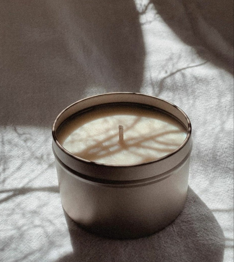 WOODS CANDLE CO. - JAPANESE HONEYSUCKLE
